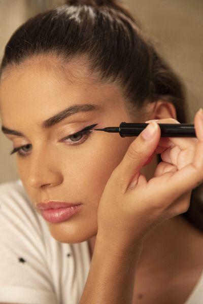 Eyes To Kill Lacquered Liquid Eyeliner